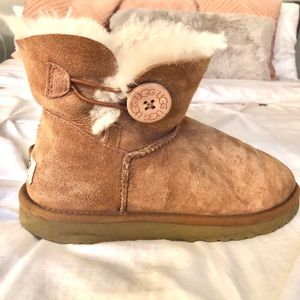 Ugg's short boots